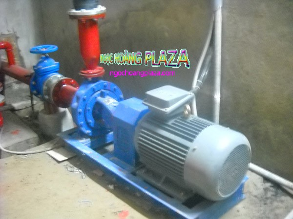 Thợ sửa máy bơm nước huyện vĩnh cửu